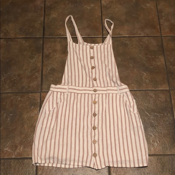 Lined dress with buttons